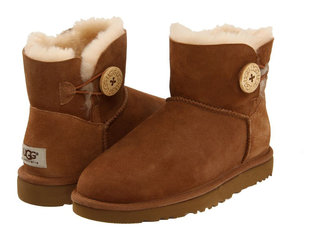 /collection/ugg-mini/product/ugg-mini-bailey-button-chestnut-3