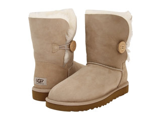 /collection/ugg-medium/product/ugg-bailey-button-sand-54
