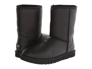 /collection/ugg-medium/product/classic-short-bomber-black-10
