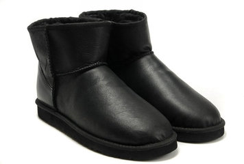 /collection/ugg-mini-1/product/ugg-classic-mini-bomber-black-65